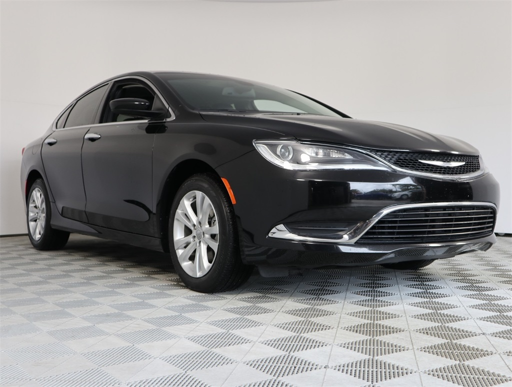 Certified Pre-Owned 2017 Chrysler 200 Limited