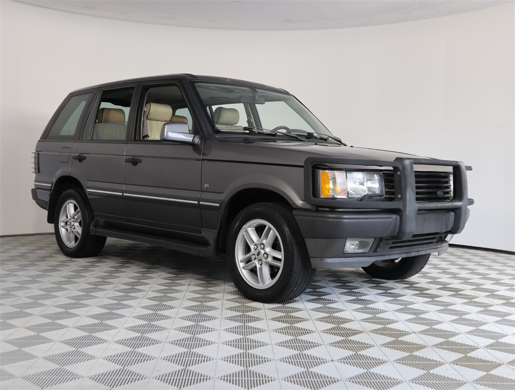 Pre-Owned 2002 Land Rover Range Rover HSE