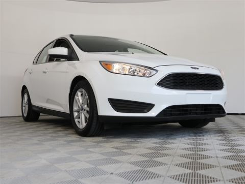 PRE-OWNED 2018 FORD FOCUS SE FWD 4D HATCHBACK
