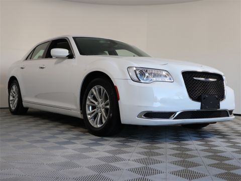 PRE-OWNED 2017 CHRYSLER 300 LIMITED RWD 4D SEDAN