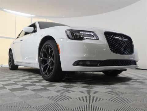 NEW 2019 CHRYSLER 300S