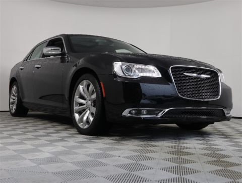 PRE-OWNED 2018 CHRYSLER 300 LIMITED RWD 4D SEDAN