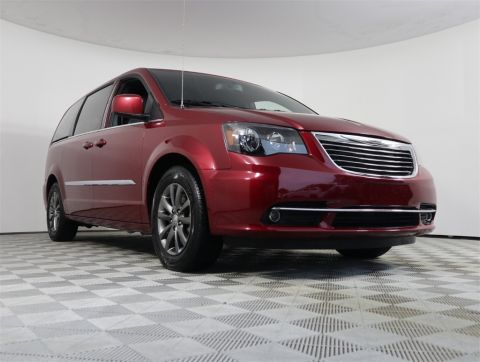 PRE-OWNED 2015 CHRYSLER TOWN & COUNTRY S FWD 4D PASSENGER VAN