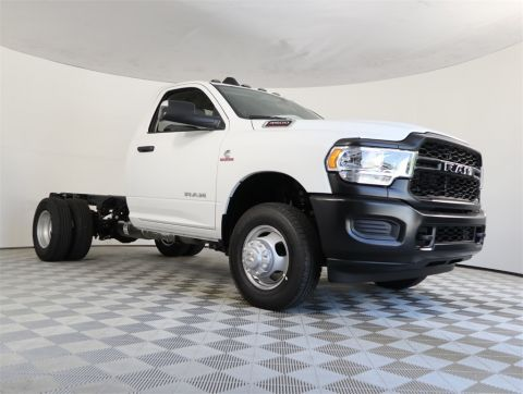 "NEW 2020 RAM 3500 TRADESMAN CHASSIS REGULAR CAB 4X4 60"" CA"