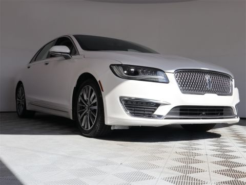 PRE-OWNED 2017 LINCOLN MKZ HYBRID FWD 4D SEDAN