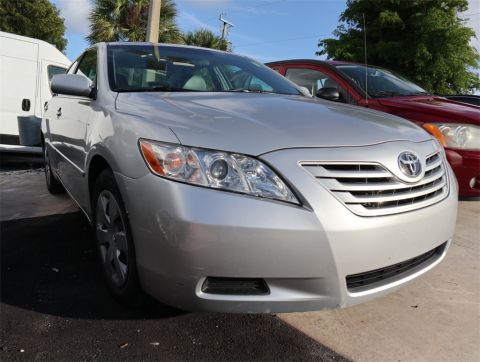 PRE-OWNED 2009 TOYOTA CAMRY FWD 4D SEDAN