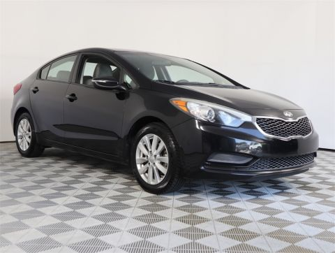 PRE-OWNED 2014 KIA FORTE LX FWD 4D SEDAN